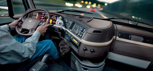 Эргономика салона грузовика Volvo VNL780