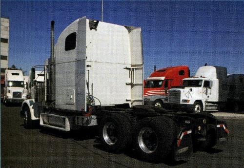 Рефрижератор на шасси Freightliner Business Class M2-100