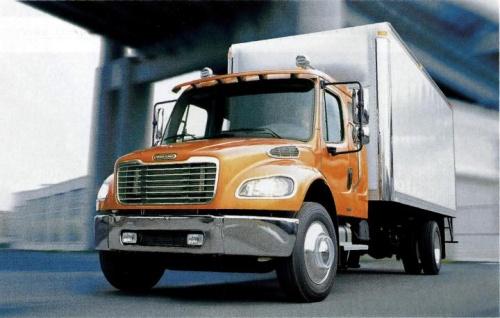 Фургон на шасси Freightliner Business Class M2-106 с удлиненной кабиной