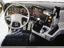 Грузовики оборудуются дизелями Caterpillar, Cummins и Detroit Diesel мощностью 300-600 л.с., механическими коробками...